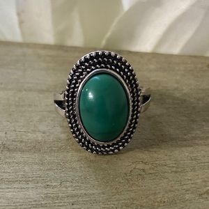 3/25: Size 9.5 Southwestern Style Ring Blue Green